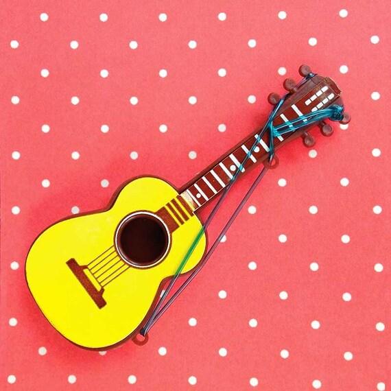 Guitar Wedding Songs: Guitar Cake Toppers (2), Miniature Guitars, Plastic Guitar