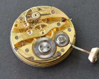 Vintage Pocket Watch Movement - 42mm Size 15 - Gold Tone - Parts - Repair - Steampunk Jewelry Making Supplies