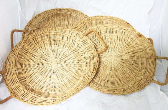 vintage woven wicker rattan natural paper plate holders. Black Bedroom Furniture Sets. Home Design Ideas