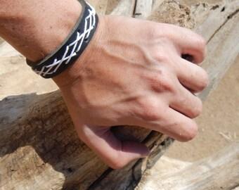Leather black bracelet with metal buckle, leather bracelet, custom leather bracelet, mens leather bracelet