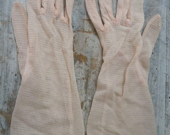 Size 7 1/2 ** Gorgeous Pink 1950s-60s Women's Gloves
