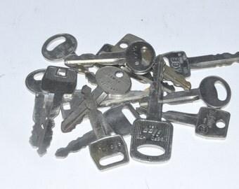 Silver Keys. Old Keys. Jewelry Keys. Assemblage Keys. Steampunk Keys. Door Keys. Vintage Keys. Salvaged Keys. House Keys. Vintage Key Lot.