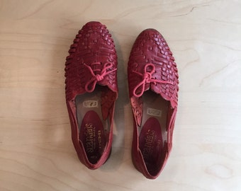 vintage womens red leather woven detail oxford huaraches sandal flats size 5.5
