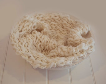 Ready to ship Merino  Baby Handspun Blanket Photo prop - White Ivory - newborn Basket filler - Toddler Portrait