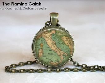 ITALY Map Pendant •  ITALIAN Map •  Map of Italy •  Vintage Italy Map • Gift Under 20 • Made in Australia (P0452)