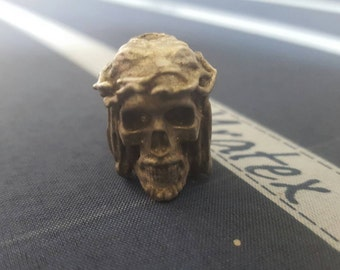 Crown of thorns skull pewter bead