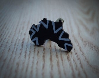 Black Africa Ring with White Triangles