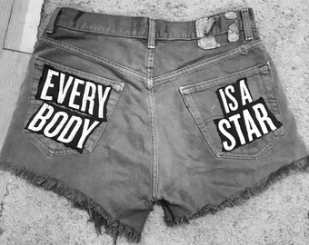 EVERYBODY IS A STAR levis shorts