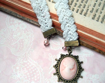nostalgic bookmark cameo Lady Pink