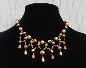 Lovely Vintage  Beaded Necklace!