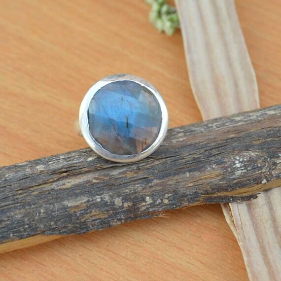 Labradorite Ring - Labradorite Gemstone Ring - Ring Size 9 - 925 Sterling Silver -Faceted Labradorite - Designer Labradorite Ring