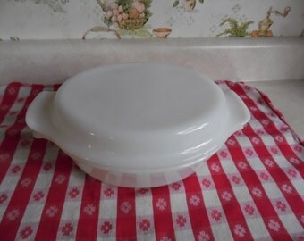 Anchor Hocking FIRE KING Oval Milkglass Covered CASSEROLE Dish is a  1 1/2 Qt and was made in the 1950's