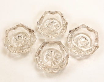 Vintage Pressed Glass Individual Salt Cellars, Set of Four Vintage Glass Starburst Open Salts