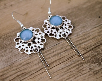 Bohemian earrings with light print and blue cabochon