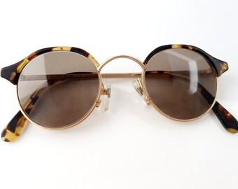 Vintage Round Tortoise Sunglasses, Brown Shades, Boho // Retro Fashion Eyewear // Mid Century Deadstock Fashion Accessories