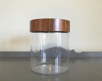 Pyrex Faux Wood Store N See 3.5 qt Canister
