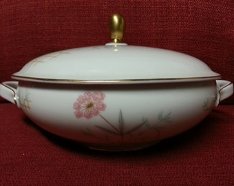 Vintage Eschenbach Bavaria Germany china W1314 Covered Vegetable Bowl Serving Dish