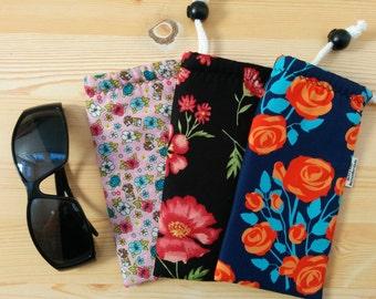 Glasses case,sunglasses case,floral glasses pouch,summer case,quilted glasses case,sunglasses cover,mandala fabric,glasses flowers case