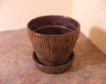 Vintage 1950s / 1960s McCoy Pottery Brown Basket Weave Planter