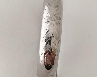 Stunning Floral Etched Bangle Bracelet Hinged Snap Closure 925 Sterling Silver