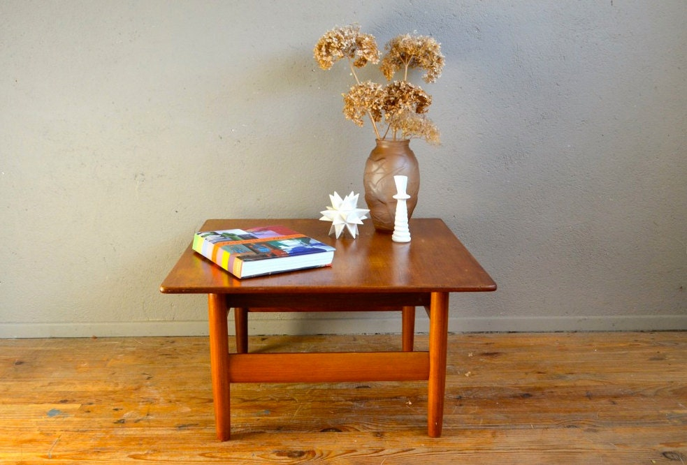 Table basse vintage karl sorlie r tro ann es 60 en teck for Table basse en metal scandinave