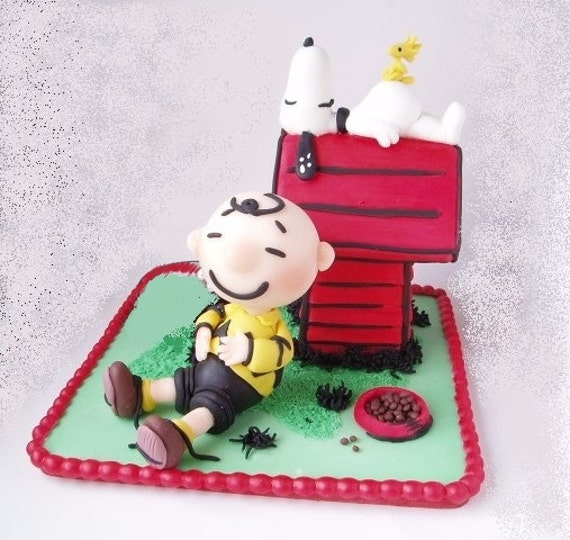 charlie brown wedding cake topper items similar to chalie brown and snoopy cake topper 12505