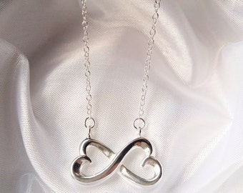 Absolutely gorgeous Infinity Love Collier