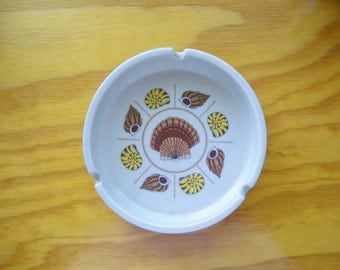 Vintage Otagiri Seashell Motif Ashtray