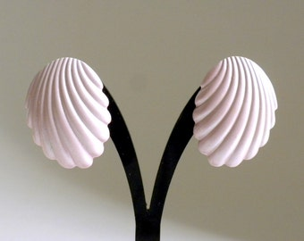 Pink Shell Earrings, Clam Shell Earrings, Oyster Shell Earrings, Pink Earrings