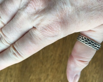 Braided band ring -- 325