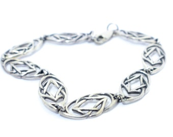 Woven and Interlaced Sterling Silver Link Bracelet with Minimalist Sterling Silver Links in Polished, Comfortable Silver Chain Band