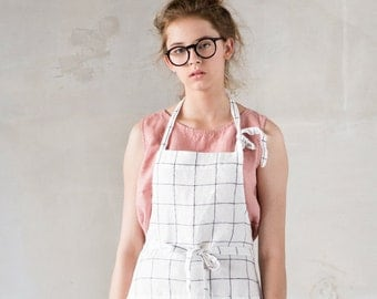 Washed traditional linen apron / Full linen apron in large checks