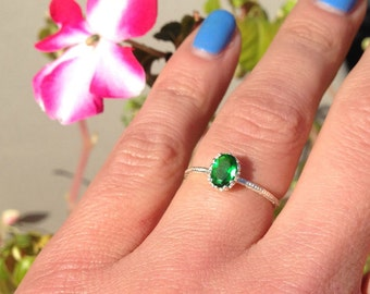 20% off-SALE!! Emerald Ring - Gold Ring - May Birthstone - Stacking Ring- Vintage Style - Gemstone Ring - Simple Ring - Bridal Ring