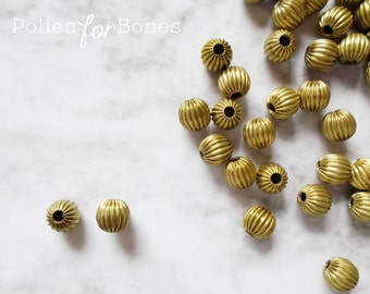 10pcs ∙ Brass Round Corrugated Beads Vintage Fluted Hollow Ball Spacers Jewelry Supplies
