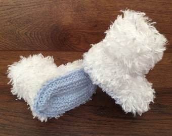 Hand Knitted Baby Booties Boots Slippers Soft Faux Fur Eskimo White  0-12 Months UK Seller Boy