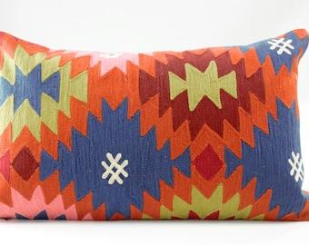 Cushion Multiethnic