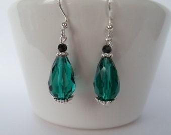 green teardrop earrings, green crystal earrings
