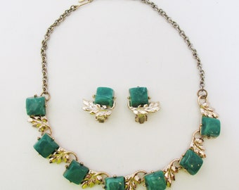 Vintage 1950s Gold Toned Green Thermoset Necklace and Earrings Set