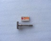 """Vintage 1966 Gillette """"SLIM"""" Adjustable Safety Razor (L 2)"""