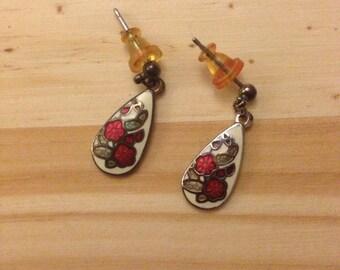Vintage Earrings: Enamel Red Flowers Pierced Earrings Cloisonne