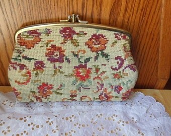 Vintage Tapestry Wallet/Clutch with compartments Flower Pattern Vintage Purse Change Purse