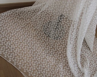 White Daisy Floral Lace Fabric Bilateral Embroidered Tulle Fabric Wedding Dress Costume Fabric Curtain Fabric 49'' Wide 1 Yard L0442