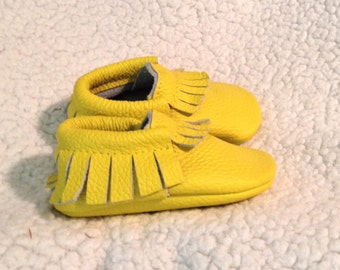 Yellow Leather Baby Moccasins, Yellow Baby shoes, Yellow Baby Moccasins shoes, Baby Gift