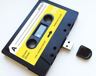 4GB/8GB/16GB USB Mixtape - Retro Hipster Gift -  Loved One, Birthday, Wedding Present- Boyfriend, Girlfriend, Bestfriend- Flash Drive