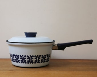 Cathrineholm cooking pot with lid // navy blue and light blue // mid century modern kitchen