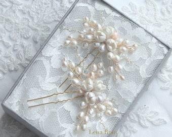 Bridal hair pins. Pearls hair pins. Wedding hair pins. Bridal accessories.Style 618