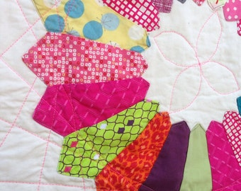 Dresden Plate Baby Quilt Pink and White