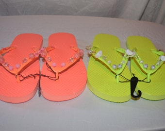 Two Pairs Of Women's Beaded Flip Flops Size 5-6