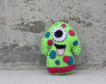 Zuggle Alien Monster Plushie in lime green with spots
