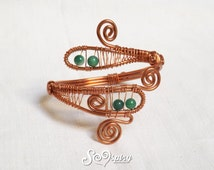 Upper arm bracelet, copper wire bracelet, cuff bracelet, spiral bracelet, wire weaving jewelry, green beads bracelet, boho style jewelry